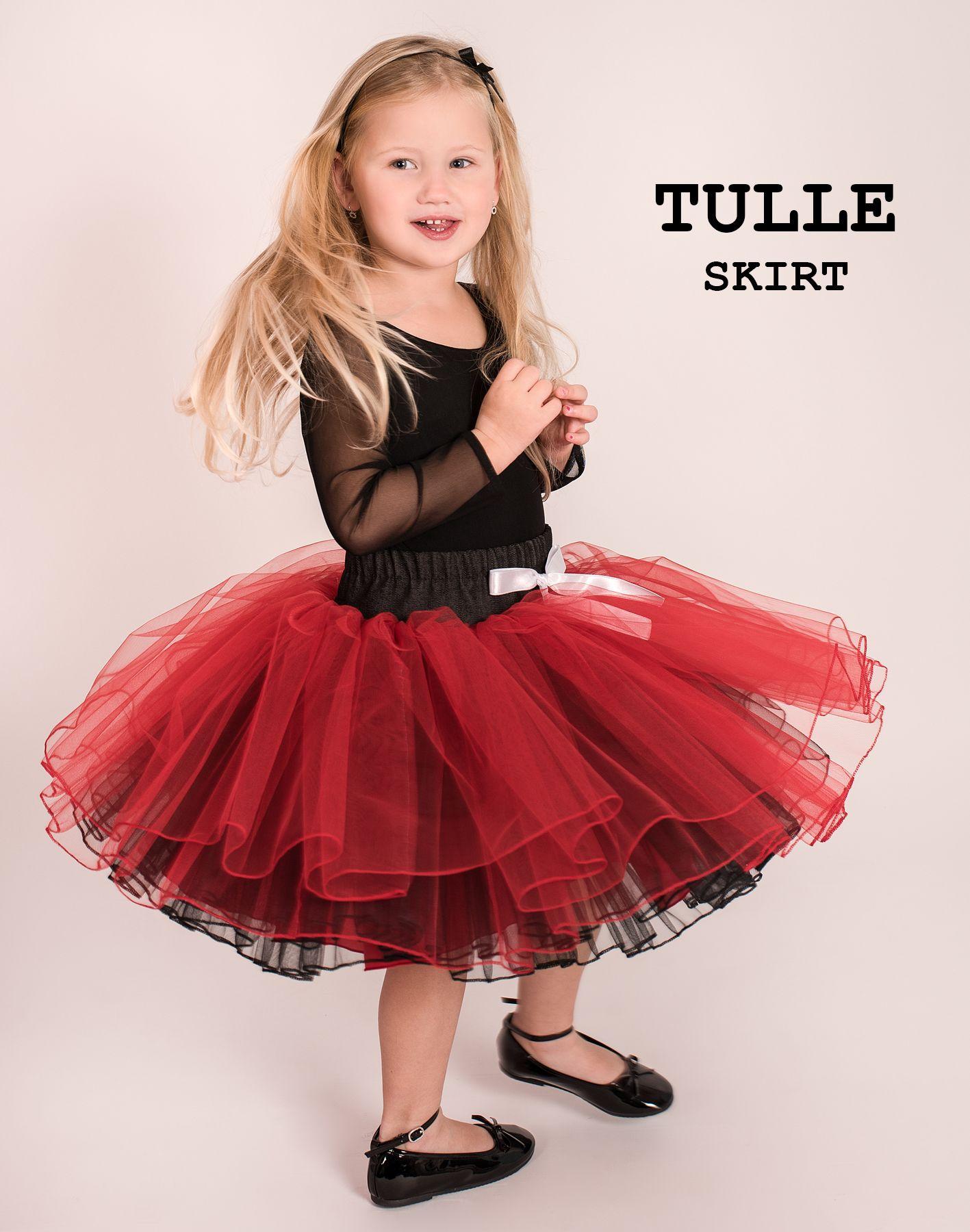 84a9bc7d4434 Dětská a dívčí červená tylová sukně s riflovým páskem. Cena od 1899 ...