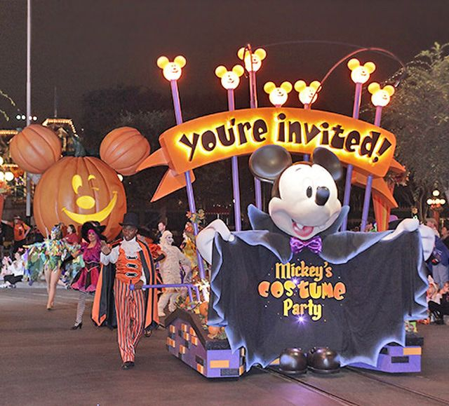 visitor guide to mickeys halloween party at disneyland in anaheim california includes photos - Disneyland Hours Halloween