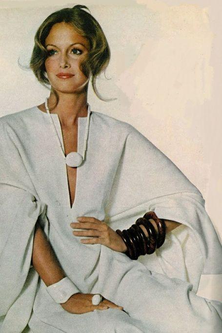 Karen Graham, Vogue 1971 via picturesofbeautifulwomen.blogspot.com