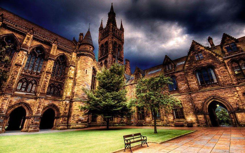 University Of Glasgow Scotland Also The Courtyard From Harry Potter Glasgow University Scotland Castles Glasgow