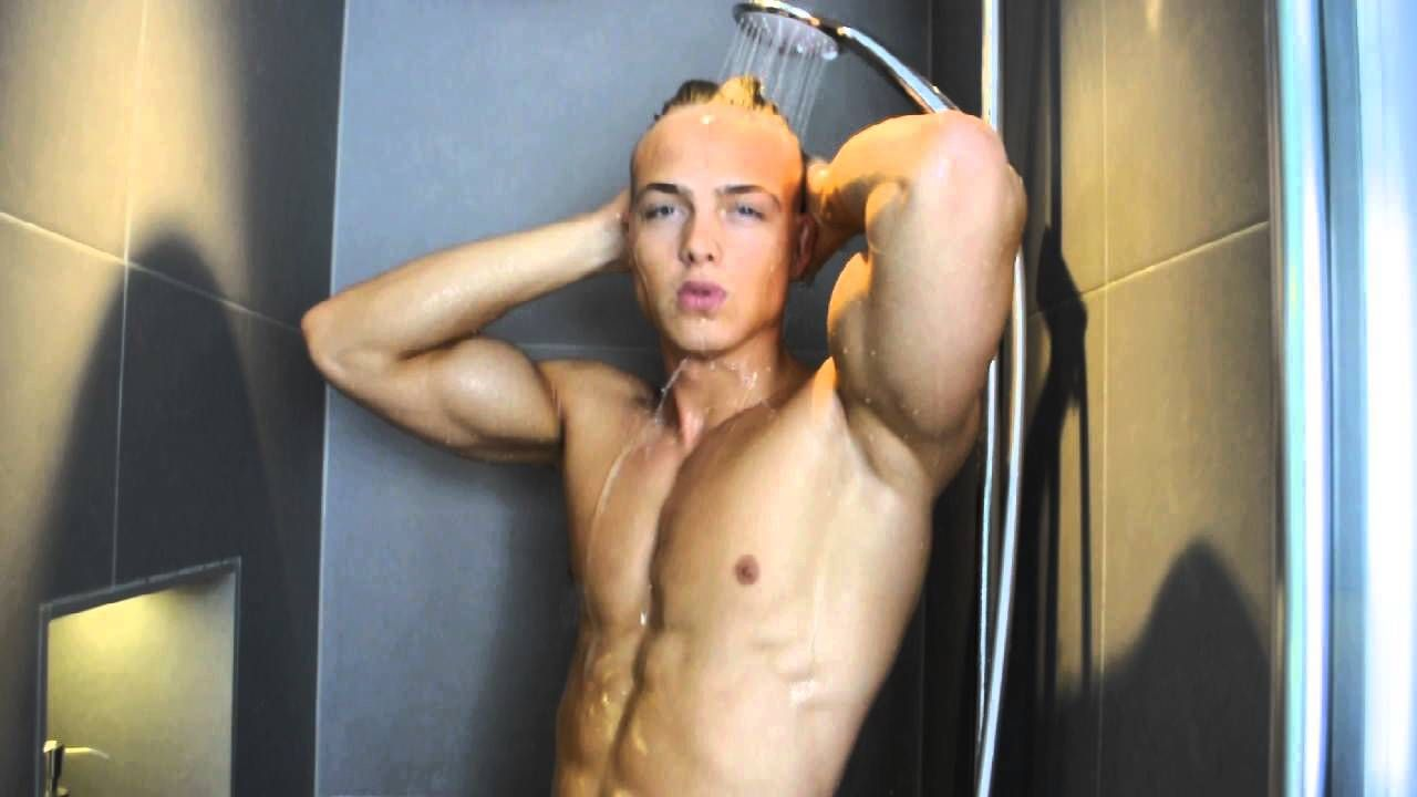 Part 2 of 2: Waking up with TeeJott-Top-Model Hagen (shower) 2015 ...