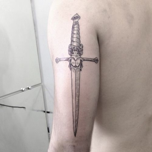 #adaga #dagger #punhal #tattoo #tatuagem #bug #inseto (at The Black Lodge)