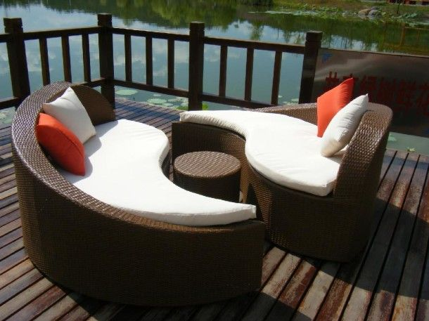Awesome Outdoor Sectional Sofa Design With Round Rattan Coffee Table