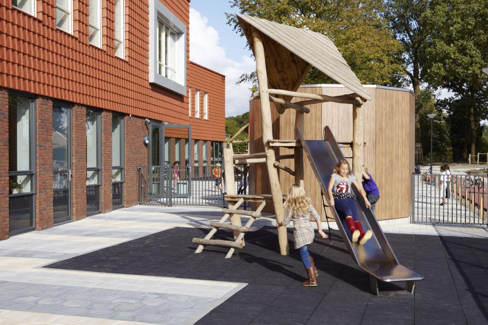 Speeltoestellen Robiniahout serie 2 - Drenthen hout- en constructiebedrijf