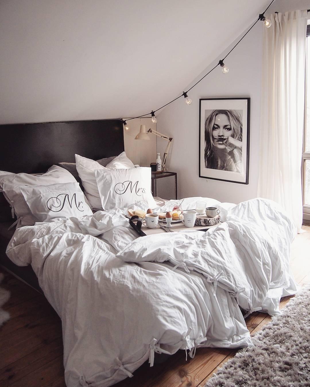 white dreams f r einen erholsamen schlaf wie geschaffen ist diese harmonische bettw sche aus. Black Bedroom Furniture Sets. Home Design Ideas