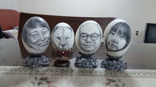 Family Drawing on eggs-한상희