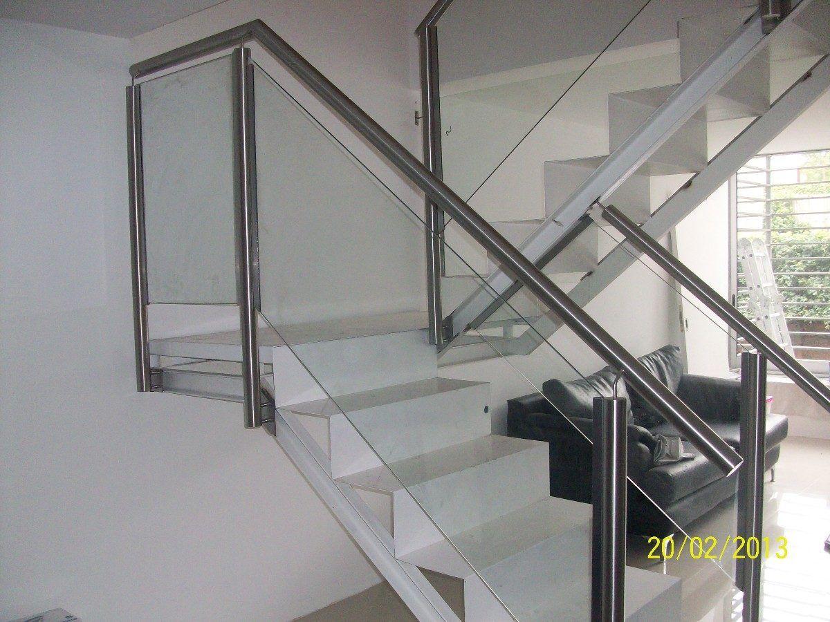 Escaleras con barandillas modernas buscar con google escaleras pinterest scale - Pasamanos de cristal ...