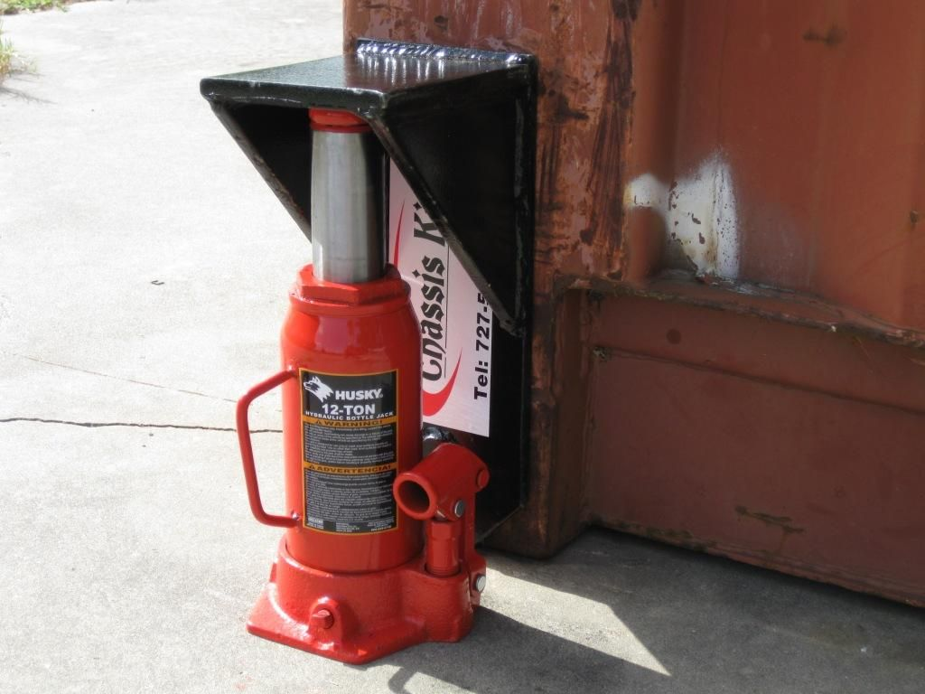 Hydraulic Bottle Jack under Container Booster | Projects in