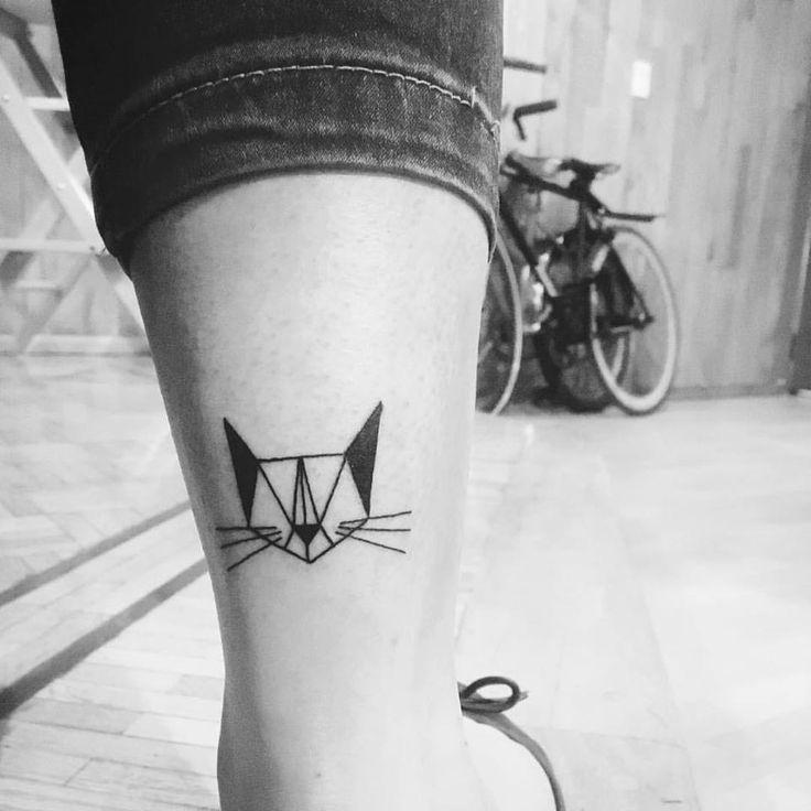 Image Result For Cat Tattoo Geometric Projekty Do