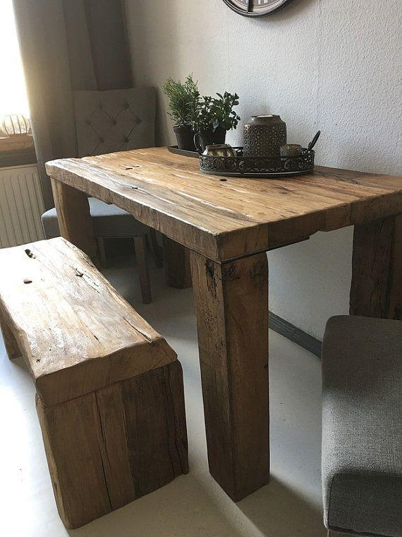 Sala da pranzo tavolo e panca monumento di ...