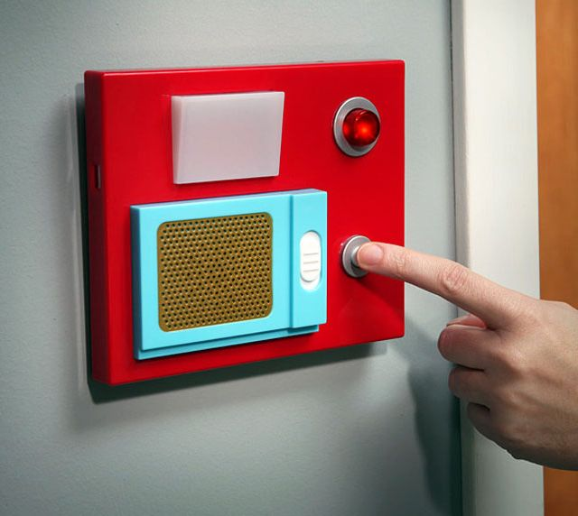 Star Trek Motion Sensor Door Chime. Alerts you when someone crosses the threshold. Two settings: Door opening sound or Red Alert sound. Push button on front for Communicator Whistle sound.