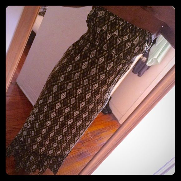Forever 21 tribal print maxi sundress Forever 21 tribal print maxi sundress. Very comfy. Easy to slide on and off. Length of the dress is 47 1/2 inches long. Forever 21 Dresses Maxi