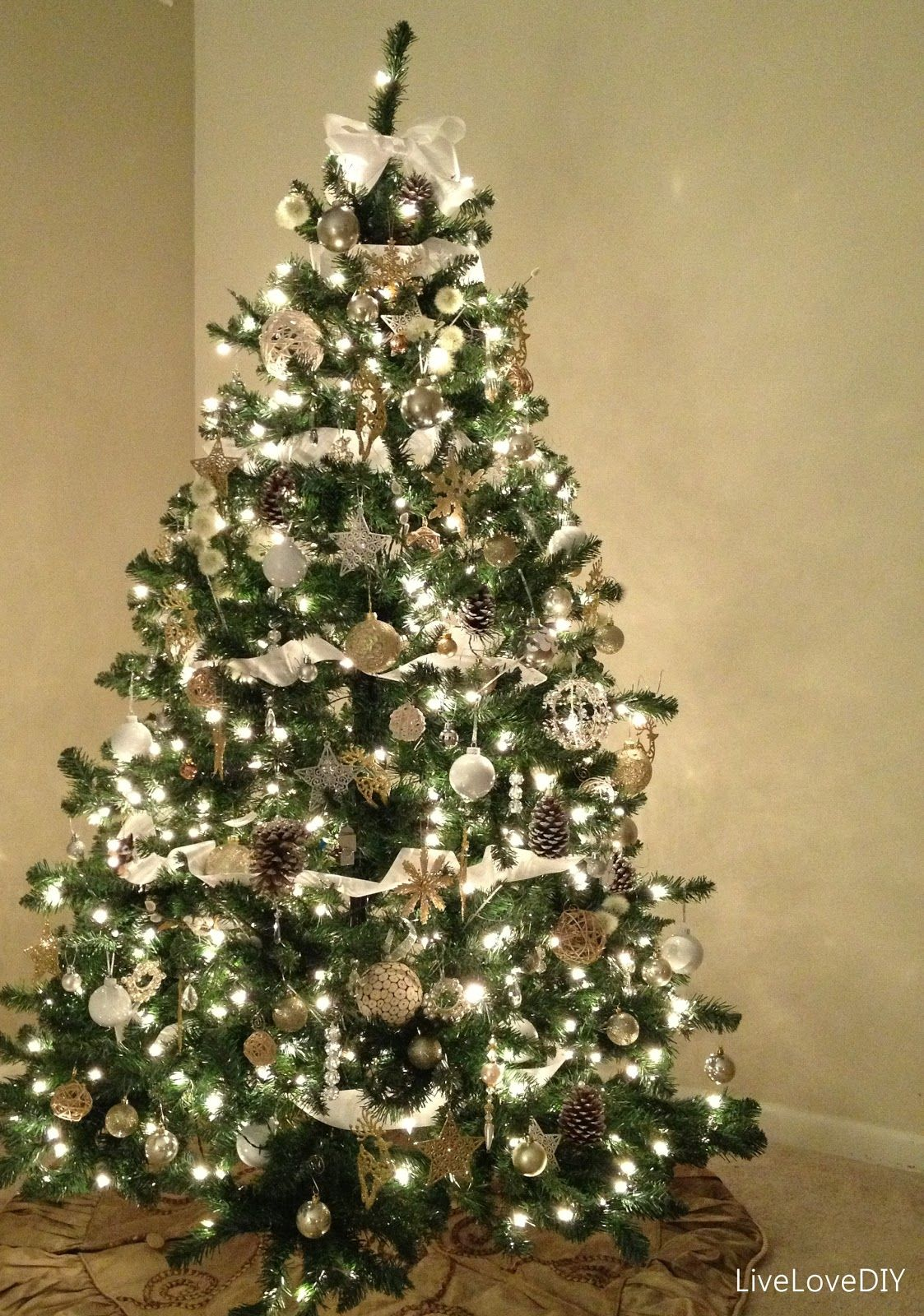 Pre Lit Fake Christmas Tree White Silver And Gold White Lights Green Tree Small Christmas Trees Gold Christmas Decorations Christmas Tree Decorations