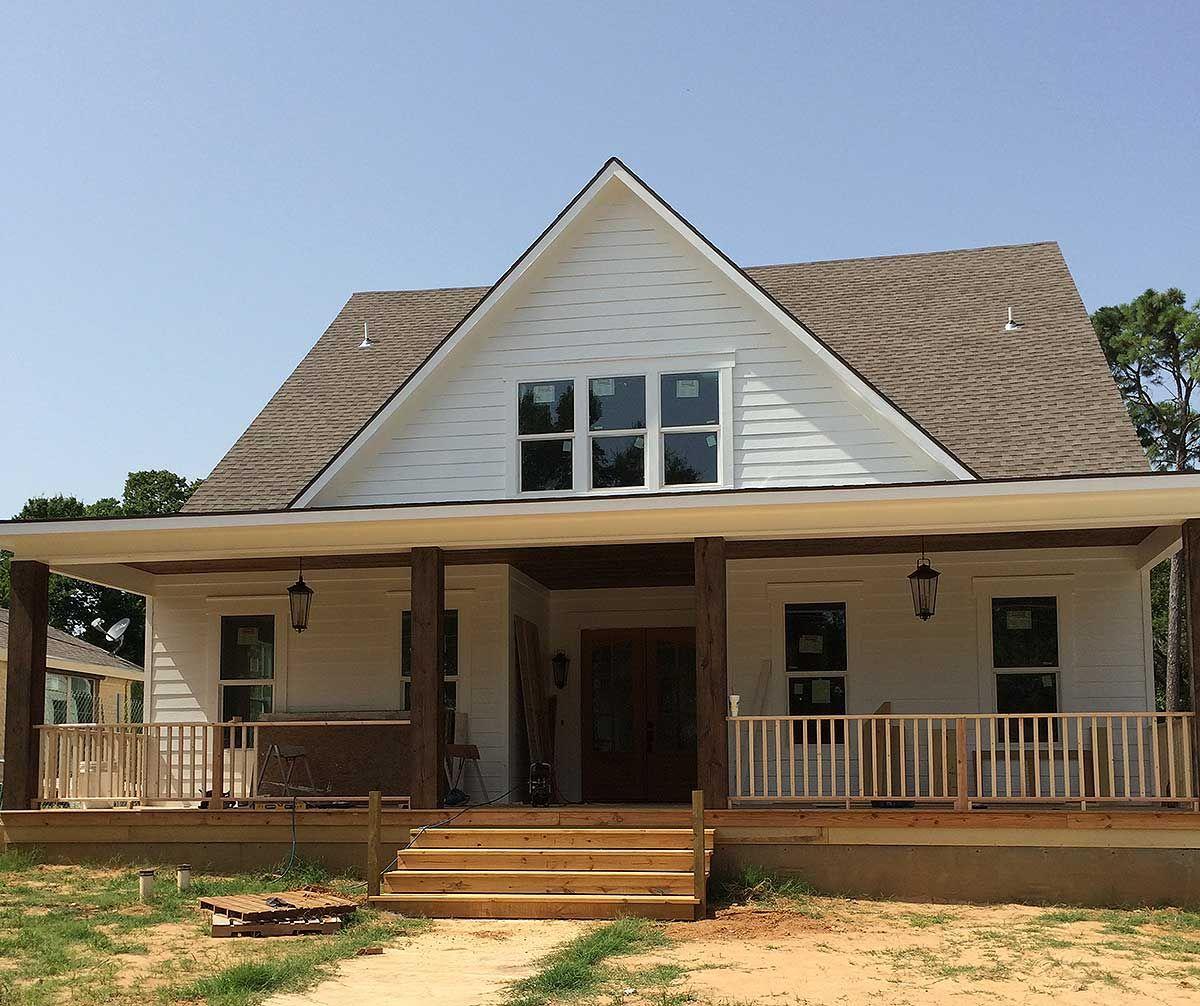 Cottage With Breezeway And Bonus