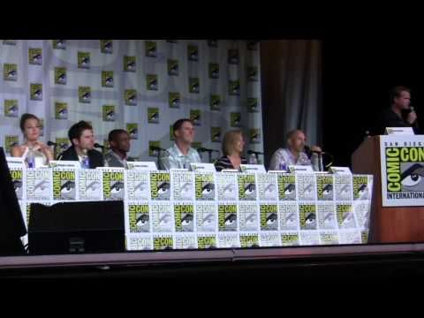 An annual favorite and one of the most entertaining panels we've ever seen, we bring you the Psych panel from SDCC 2013, moderated by Cary Elwes. Suck it!