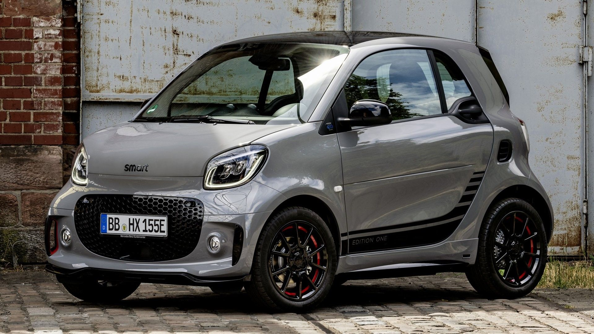Pin By Viper Warrior On Luxury Cars Smart Fortwo City Car New Cars