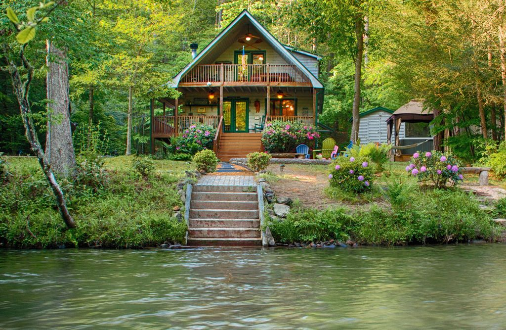 ROMANTIC TROUT FISHING CABIN REALLY! HotTub, FirePit
