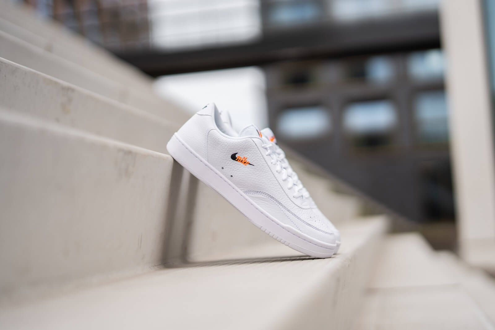 Nike Court Vintage Premium White Black Orange Ct1726 100 In 2020 Vintage Sneaker Nike