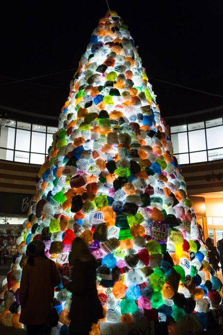 9 Incredible Examples Of Plastic Bottle Art And Installation Upcyclist Waste Art Sustainable Art Protest Art