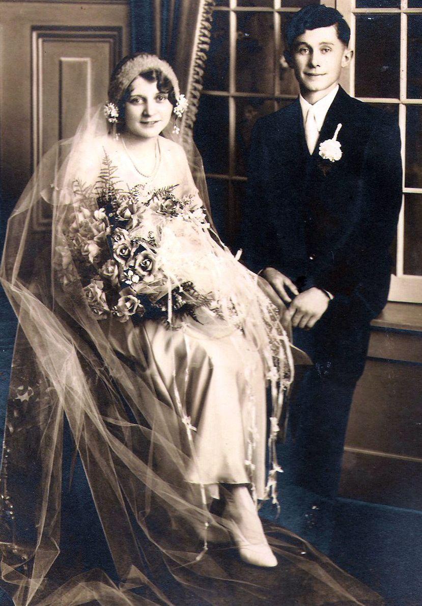 1920s bride and groom. | Wedding Memories Thru Time | Pinterest ...