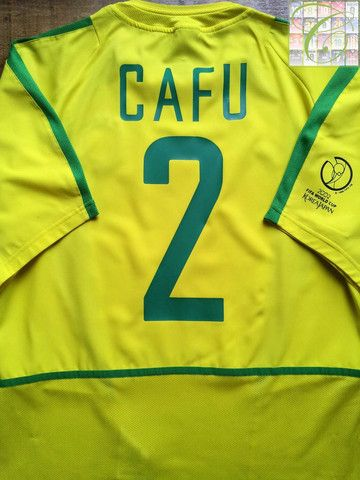 Relive Cafu s 2002 World Cup season with this vintage Nike Brazil home  football shirt. 9f3f8e7fd
