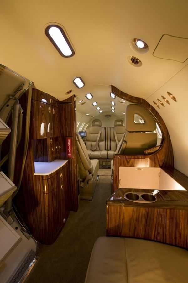 Le jet priv de luxe en 50 photos avion priv for Interieur avion