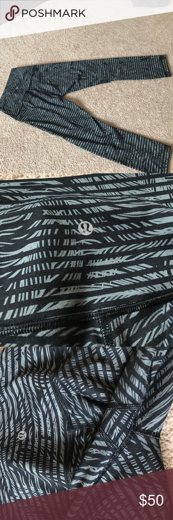 Lulu lemon leggings Excellent condition cropped leggings no pilling lululemon athletica Pants Leggings