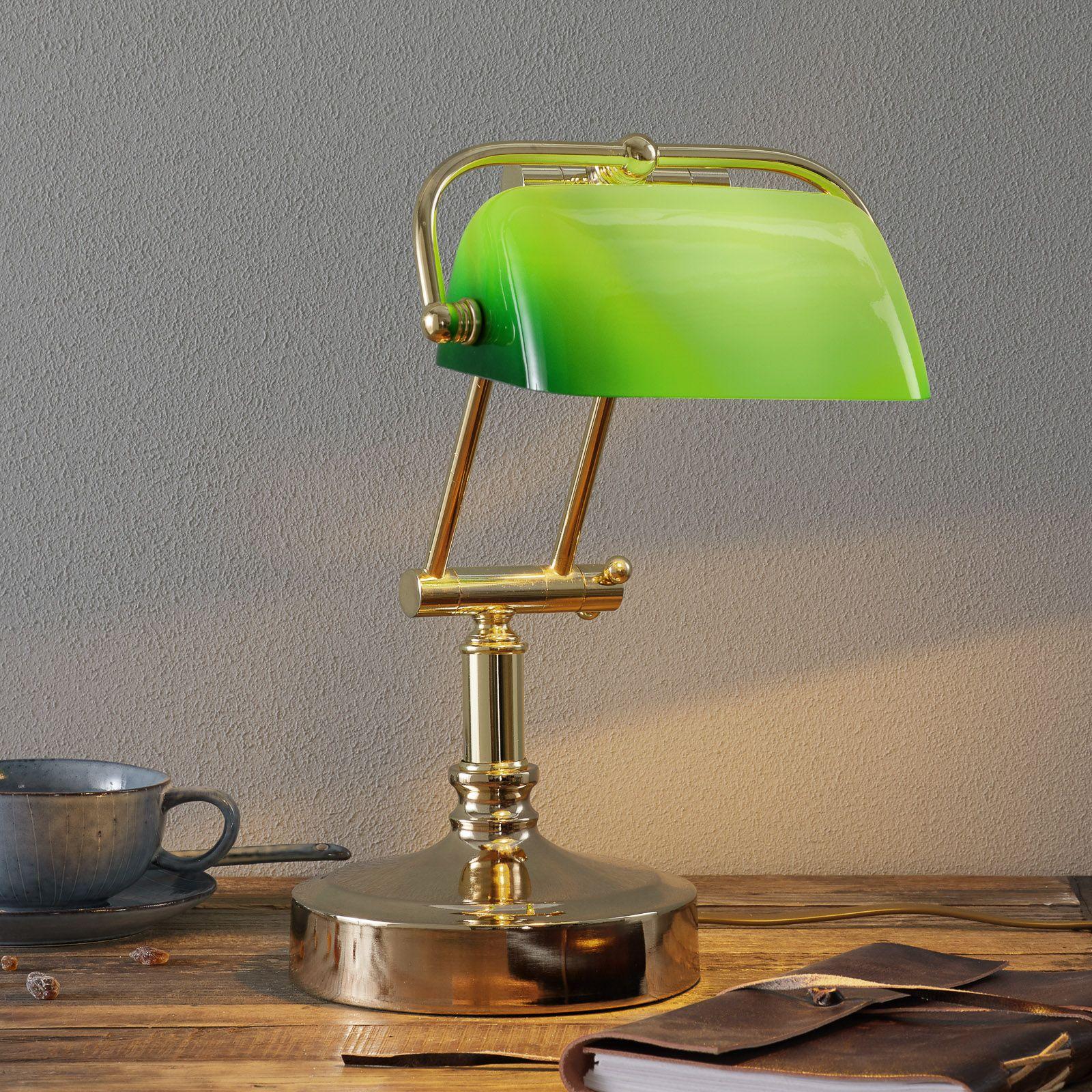 Banker S Lamp Steve With Green Lampshade In 2020 Gruner Lampenschirm Led Birnen Lampe