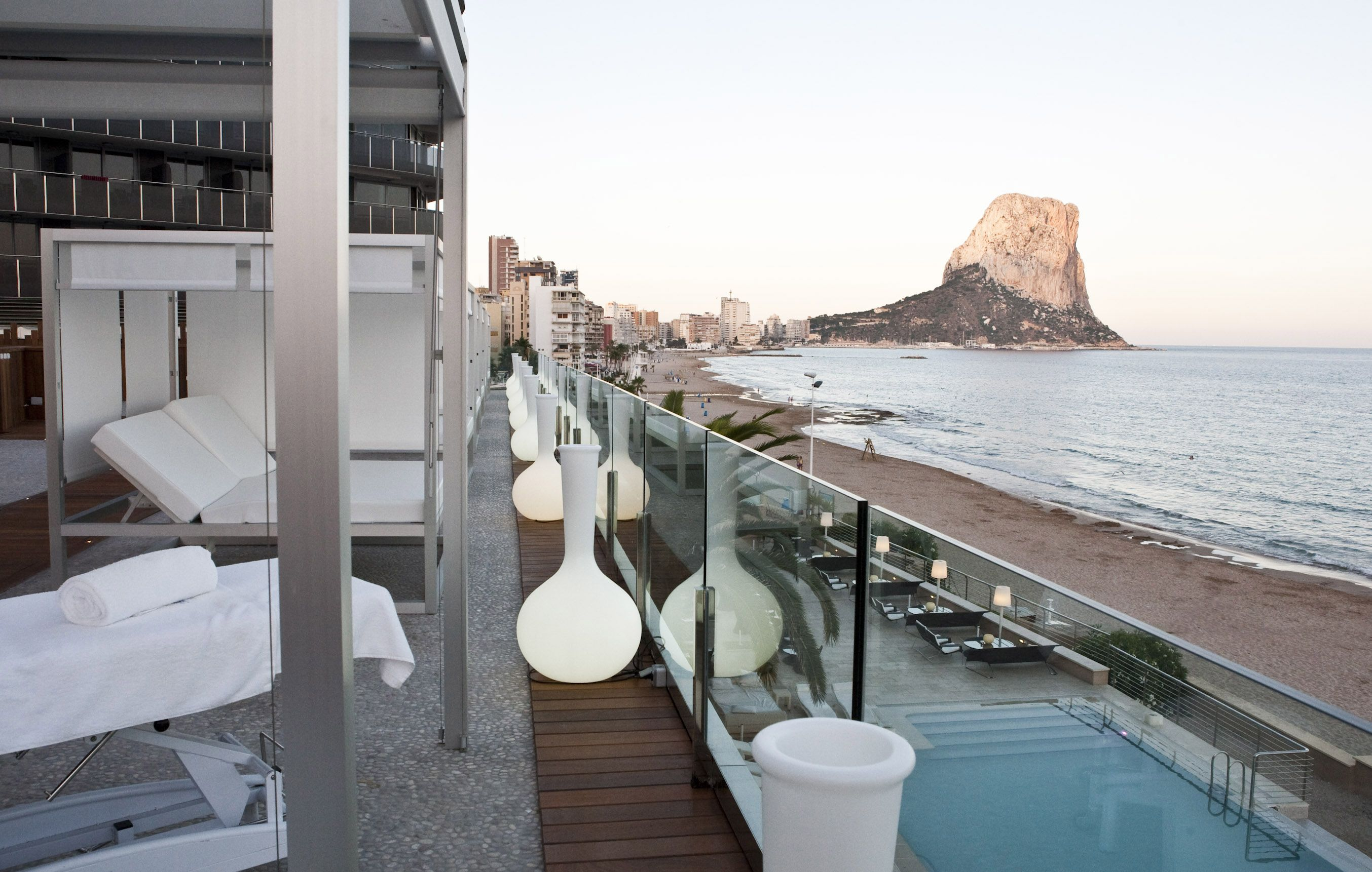 Gran hotel sol y mar calpe alicante spain places and for Hotel diseno alicante