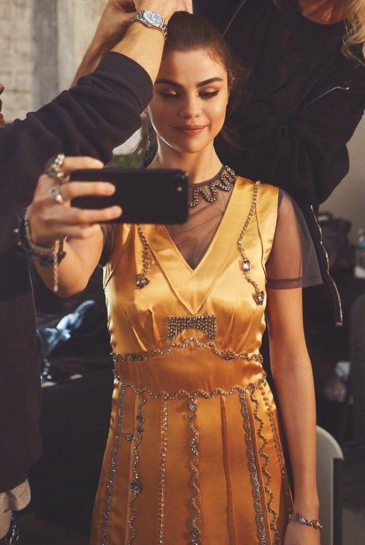 Style selena gomez 2018 dresses