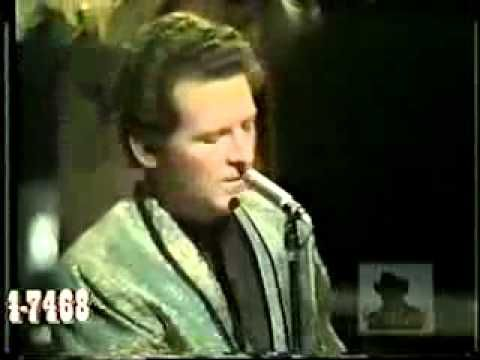 Jerry Lee Lewis - She Even Woke Me Up To Say Goodbye 1969 (live) - YouTube