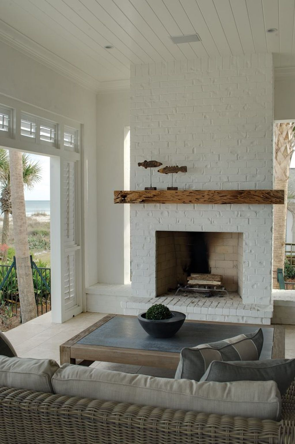 43 Rustic Brick Fireplace Living Rooms Decorations Ideas #whitebrickfireplace