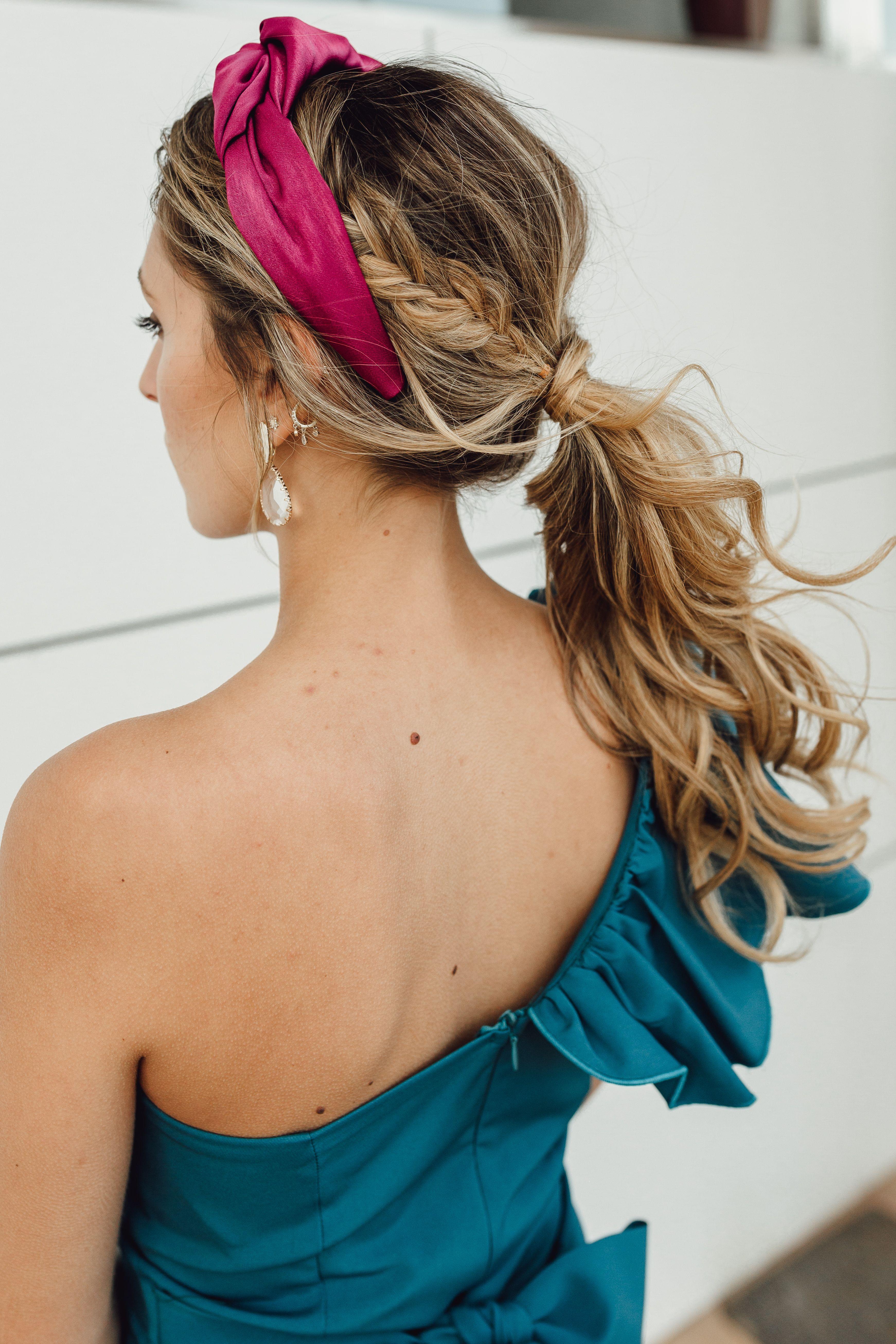 Diferentes versiones peinados coleta baja Galería de cortes de pelo tutoriales - Coleta con diadema | Peinados boda civil, Peinados ...
