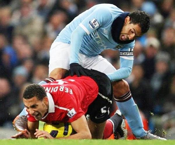 Perfectly Timed Photos Soccer Players Funny Sports
