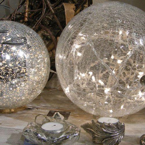 Lampe Boule Avec Guirlande Lumineuse En Verre Mercurise Chehoma Lampe Boule Objet Decoration Cloche En Verre