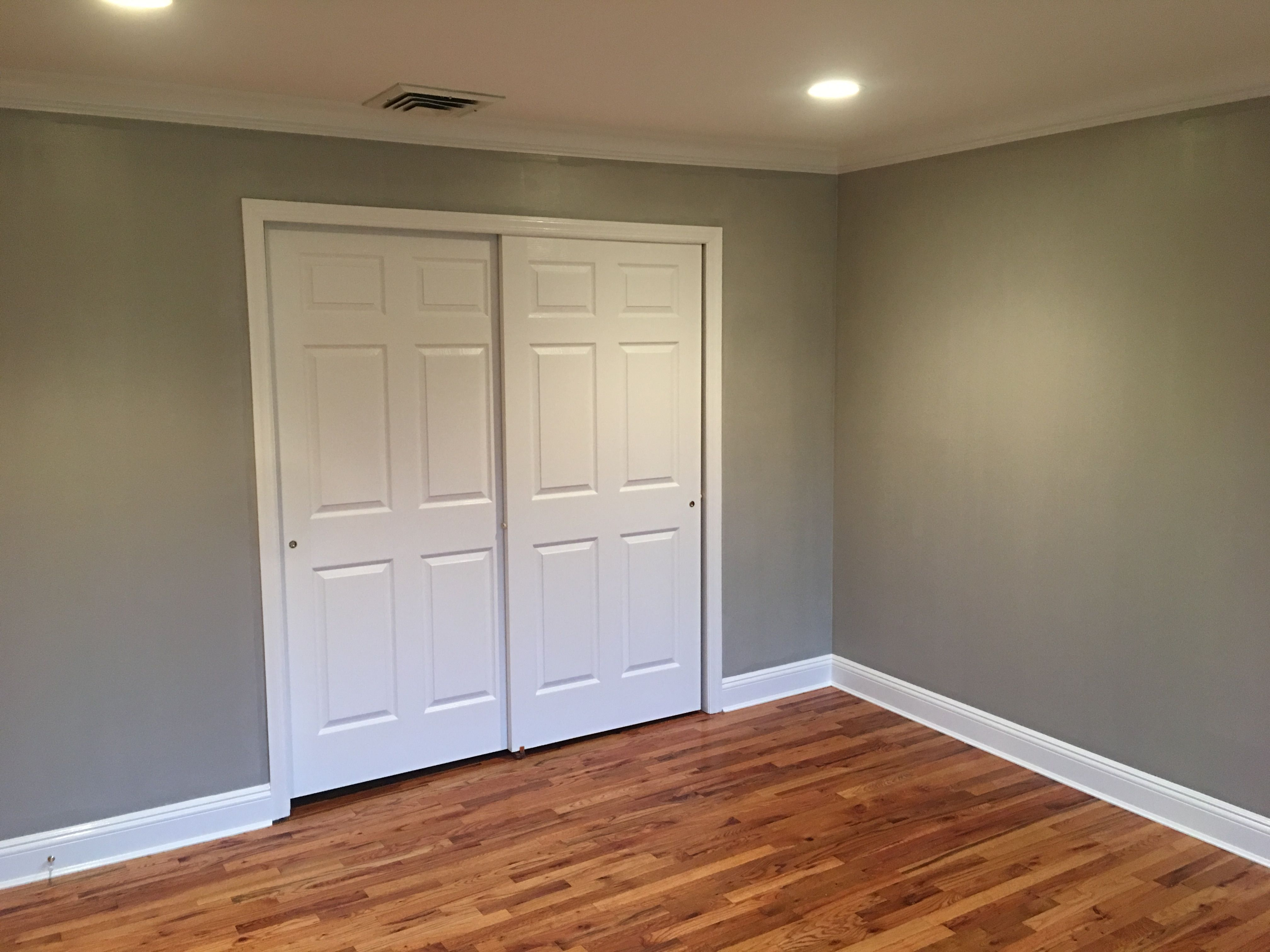 A fresh coat of benjamin moore ac 26 ozark shadows with regal select white flat on ceiling regal select white semi gloss on trim and doors with regal