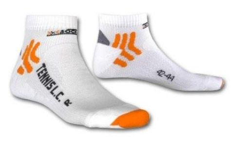 X-Socks Tennissocken Lowcut white - High-Tech für Ihre Füße! Ein Paar mit allem Komfort und modernsten Materialien ausgestattete Tennissocken. Material: 71% Nylon, 16% Polypropyle, 13% Elasthan.    www.centercourt.de/Tennisbekleidung/Accessoires/X-Socks-Tennissocken-Lowcut-white-1.html
