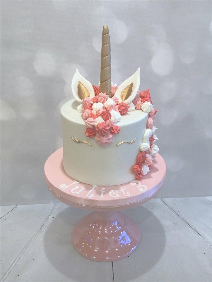 le-gateau-anniversaire-licorne-idée-anniversaire-thématique-rose-pale
