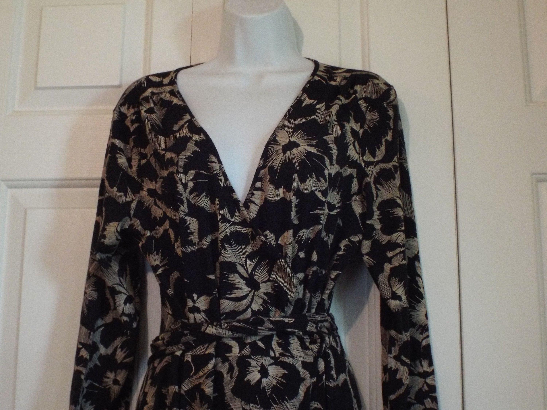 Women S Retro Vintage Wrap Dress By Banana Republic Etsy Vintage Wrap Dress Vintage Wraps Wrap Dress [ 2250 x 3000 Pixel ]