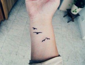 Wrist Tattoo On Tumblr Simple Wrist Tattoos Wrist Tattoos Girls Wrist Tattoos For Women
