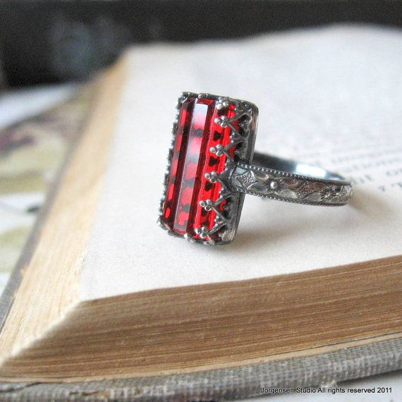 Rubinrote Farbe Ring Sterling Silber Gothic Ring Rechteck Blood Red Crystal