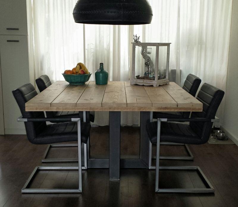 Industriele Vierkante Tafel.Vierkante Industriele Tafel Gemaakt Van Hout En Staal Model 4