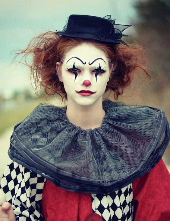 gruselige variante der clown schminke f r frauen clown. Black Bedroom Furniture Sets. Home Design Ideas