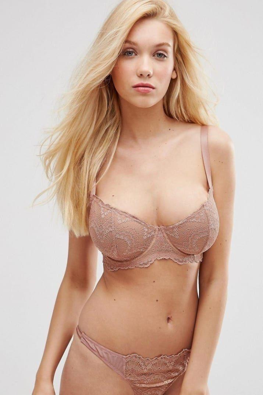Busty bra pics