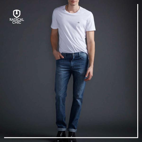 Dica da #Ellus: Jeans é coringa, uma peça que todo homem deve ter em seu guarda-roupa.   #RadicalChic #ModaMasculina