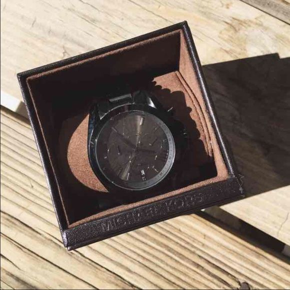 """Michael kors """"Bradshaw"""" watch My price is firm! In minor scratches on battery no discoloration. Price is firm Michael Kors Accessories Watches"""