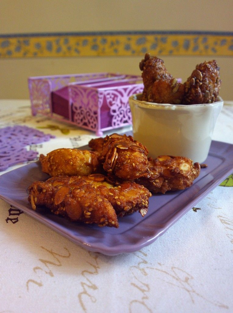 Photo of Chicken nuggets caramelized with honey, almonds and …-Bocc…