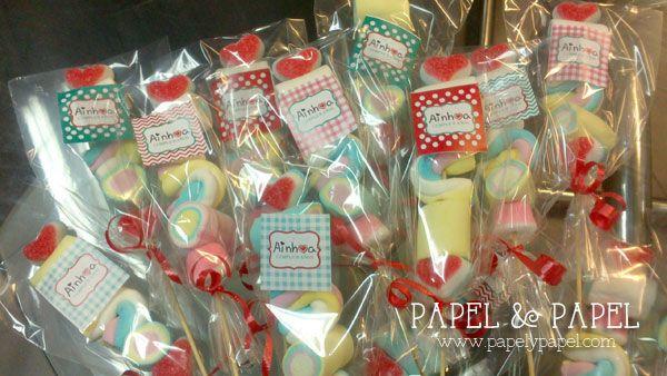 brochetas dulces de nubes con etiquetas personalizadas Fiestas