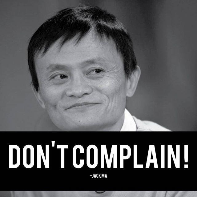 """""""[JACK MA - FORMER CHAIRMAN DAN CEO ALIBABA GROUP] . Jack Ma pria kelahiran 10 September 1964 memiliki latar belakang kehidupan yang sangat keras. Dilahirkan dari keluarga ekonomi lemah tidak menyurutkan tekadnya untuk menjadi seorang yang sukses dan bisa mengharumkan tanah kelahirannya. Karir masa mudanya dimulai saat Ma berumur 12 tahun, Jack Ma yang memiliki ketertarikan tinggi dengan bahasa Inggris melamar pekerjaan menjadi seorang tour guide di hotel dekat Danau Hangzhou, setiap harinya ia Kata Bijak Pekerjaan facebook.com"""