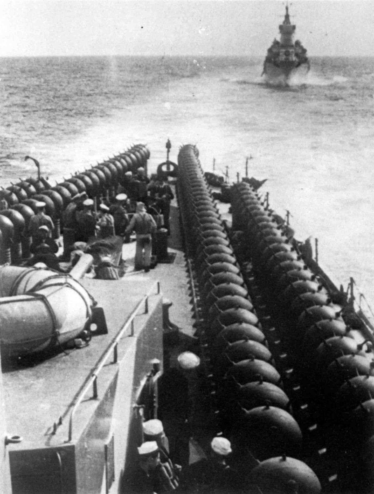 "Italian cruiser ""Duke d'Aosta"" and ""Eugenio di Savoia"" before directing minefield"